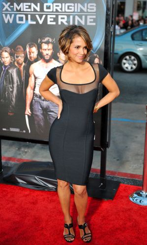 pictures of halle berry dresses. Halleberry-xmo5