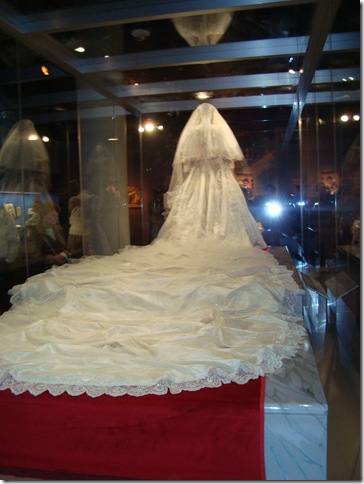 princess diana wedding gown. Princess Diana#39;s wedding gown