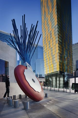 Mandarin Terrace - Claes Oldenburg and Coosje van Bruggen – Typewriter Eraser, Scale X