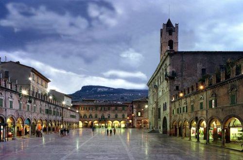 Ascoli.Piceno.piazza