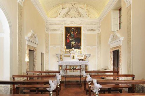 Castello_del_Nero_-_Chapel_int5d203a