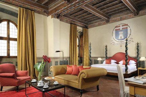 Castello_del_Nero_-_Deluxe_Suite_
