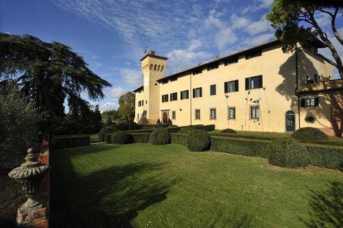 Castello_del_Nero_-_Front_Viewa38ebd
