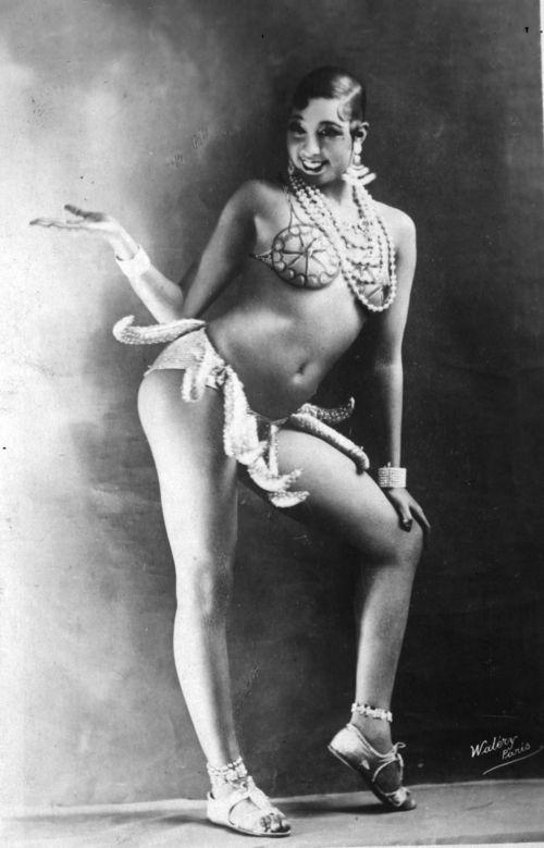 Josephine-Baker-Banana