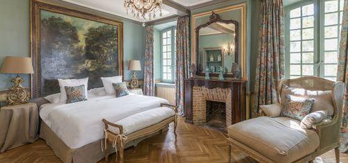Domaines de la Baume bedroom