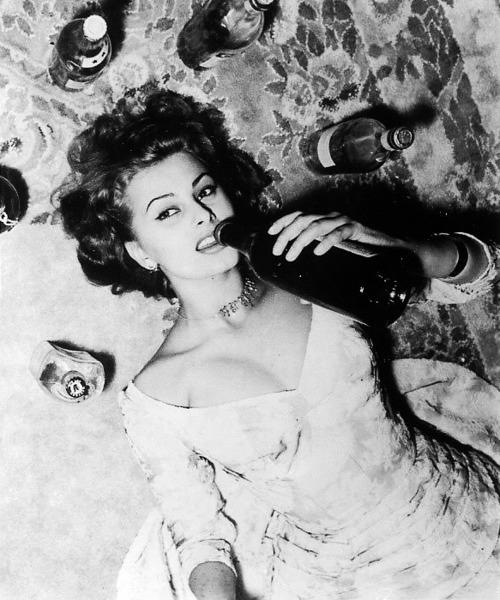 Sophia-loren-wine-1950