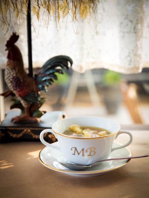 Tastings Social Presents Mountain Bird - Foie Gras Dumpling Consommé - Ambiance Shot